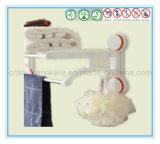 Crémaillère d'essuie-main fixée au mur des accessoires de salle de bains avec la cuvette d'aspiration