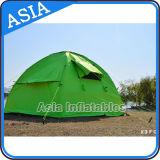3 de mensen maken het Kamperen Tent, de Openlucht Opblaasbare Tent van de Partij waterdicht