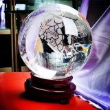 De Bal van de Bol van het kristal met het Zandstralen van de Kaart