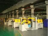 Automatische Zufuhr mit Decoiler und Strecker