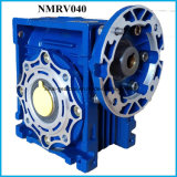 La potencia de transmisión mecánica de los motores con variador de velocidad y el reductor de velocidad