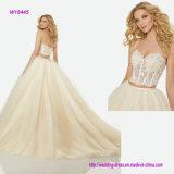 La jupe de corsage d'encolure d'amoureux de bijou d'illusion et de robe de bille de deux parties dénomment une ligne robe de mariage avec le train de Chanpel