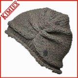 Chapeau de jacquard de câble tricoté par mode