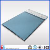 밝은 파란색 사려깊은 유리 - 또는 포드 파랑