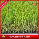 Prato inglese sintetico dell'erba che modific il terrenoare erba artificiale