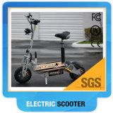 """Revisão motorizada do """"trotinette"""" de motor para adultos/o velomotor elétrico """"trotinette"""" do verde"""