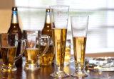 Glace d'eau en verre anti-calorique de cuvette. Glace de vin. Tasse de bière