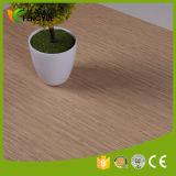 Couleur en bois comme l'étage d'intérieur de PVC d'utilisation de nature