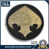 Lo smalto trasparente della moneta in lega di zinco della pressofusione, figura irregolare