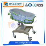 Culla di bambino di plastica dell'ospedale, oscillazione automatica della culla del bambino (CE/FDA/ISO)
