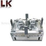 Stampaggio ad iniezione di plastica per la lampada automatica