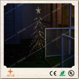 크리스마스 또는 결혼식 또는 당 훈장을%s 최고 별을%s 가진 매력적인 거꾸로 되는 나무 빛