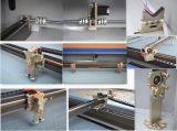 Laser del papel que talla la máquina