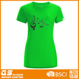 Camiseta de los deportes de las mujeres que se ejecuta