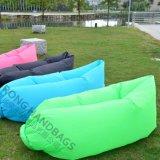 Personalizar impresión de la insignia del diseño inflable Resto cama para dormir o inflables cama para niños