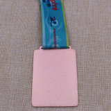 Il nuoto personalizzato del metallo esegue la medaglia di riciclaggio del Triathlon del premio di sport