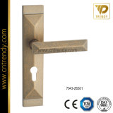 Zamak le blocage de traitement de porte de meubles de moulage mécanique sous pression avec la plaque (7043-Z6301)