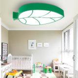 Forma creativa moderna de la hoja de arce LED de la lámpara del techo de la lámpara de los niños