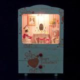 Chambre de poupée en bois éducative de DIY avec la boîte à musique