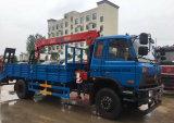 Dongfeng 4*2는 트럭 8 톤에 망원경 기중기 4 톤 로더 화물 자동차 거치했다