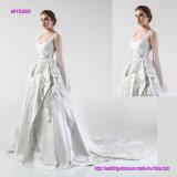 ein edles mehrschichtiges wulstiges Schaufel-Hochzeits-Kleid mit Kapellen-Serie