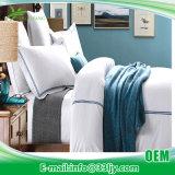 Eco 침실을%s 친절한 공단 깃털 이불 고정되는 UK