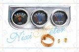 Il calibro triplice meccanico con il calibro, del voltmetro di temperatura dell'acqua ed il manometro dell'olio