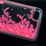 中心の形のiPhone7のための液体の流砂LEDの電話箱