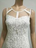 白いレースの服の優雅なレースの網のパッチワークの新しい方法女性服の袖なしのレースファブリックは2017年に服を着せる