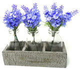 木製の立場が付いているガラスのホームおよび結婚式の装飾のための多彩な人工花の紫色のラベンダー