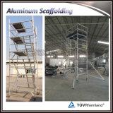 Tour d'échafaudage mobile en aluminium réglable avec l'escalier à vendre