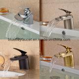 Mezclador de cobre amarillo del lavabo del cuarto de baño del Ce
