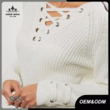 El remache ata para arriba el suéter de las mujeres del cuello de V