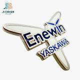 Produtos mais vendidos Aerovane Letter Plating Custom Clothes Lapel Pins