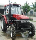 Tractor met VoorLader en 4 in 1 Emmer voor Australië