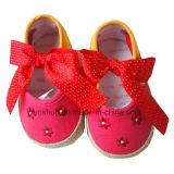 с вышивкой цветет ботинки младенца Wd-2222