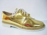 Heiße Verkaufs-Frauen-Form-flache Ferse-beiläufige Schuhe mit schnüren sich oben