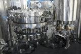 Máquina de rellenar condimentada de la bebida del gas de botella de cristal de Gcgf