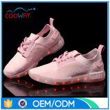 El zapato que contellea de la Navidad recargable LED del USB enciende para arriba las zapatillas de deporte