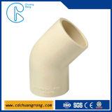 PVCは90度の肘付属品を肘で突く
