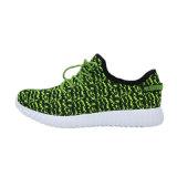 La acción ligera se divierte los zapatos corrientes de Flynit de los zapatos corrientes para los hombres
