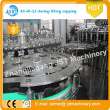 Terminar el agua mineral automática que hace la máquina de rellenar