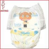 Trek de Luier van de Baby, In te ademen Backsheet, de Comfortabele Luier van de Baby uit