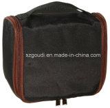 ホックが付いている折るナイロン旅行洗面用品のハングの洗浄装飾的な袋