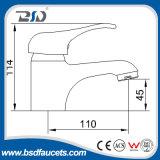 Escolhir os Faucets de água de bronze da bacia do certificado do Ce do punho
