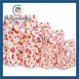 Bolso del regalo del papel del color de rosa del diseño del corazón con la cinta