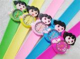 Yxl-874 regalo de los relojes encantadores de la historieta de la palmada de la jalea de los niños calientes de la venta 2015 el mejor para colores de la mezcla del niño diversos