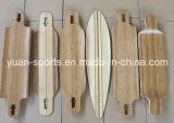 Planche à roulettes avec pont en bambou