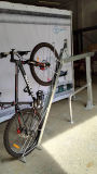 Cremalheira de estacionamento galvanizada Quente-Mergulhada ao ar livre Semi-Vertical PV00055 da bicicleta do projeto novo