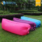 卸し売りDIY LEDの単一の口様式の空気膨脹可能なバナナの寝袋の空気ベッドの膨脹可能なソファー